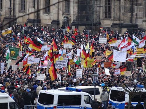 PEGIDA_Demo_DRESDEN_25_Jan_2015_116139835_larger